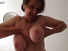 Amador britânica mulher madura com buceta unshaved e rodada